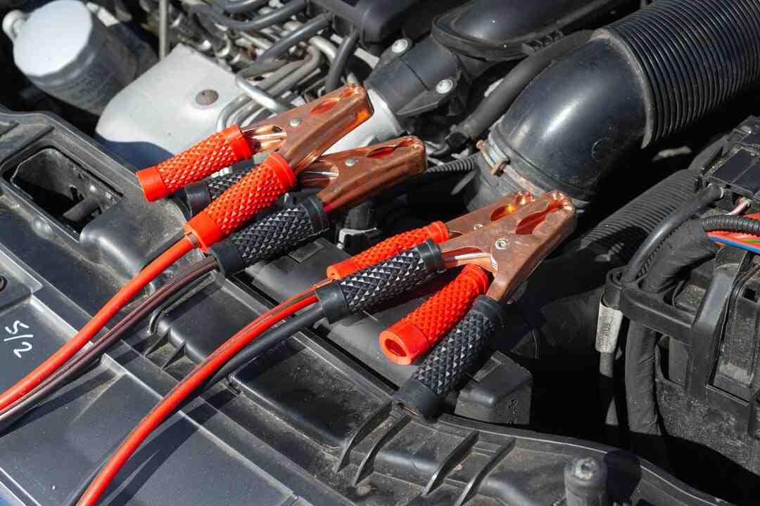 Comment brancher batterie voiture